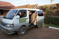 A Colobus Tour's 4x4 people carrier